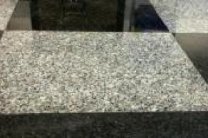 Ponçage des pierre granit AP