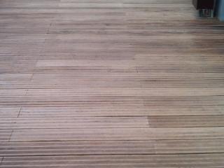 Remise en état terrasse extérieur bois après nettoyage - C. Darmanin - Var (83)