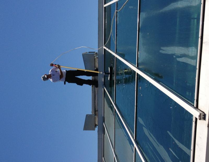 Nettoyage de vitres, lavage toit de véranda & verrière particuliers et professionnels