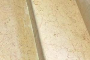 Ponçage des marches en pierre marbrières AV