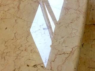 Ponçage & polissage des marches en marbre AP