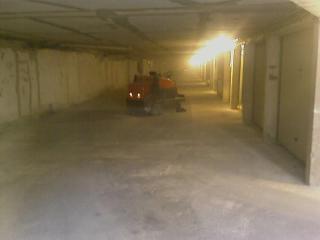 Nettoyage poussière dans parking souterrain du Var - C. Darmanin