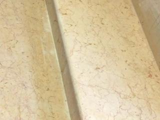 Ponçage & polissage des marches en marbre AV