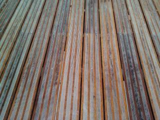 Remise en état nettoyage terrasse extérieur bois après nettoyage - Var (83) C. Darmanin