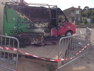 Nettoyage après incendie Désinfection de camion incendié à Marseille - C. Darmanin