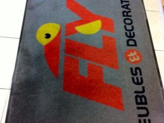 Nettoyage de tapis après magasin meubles Fly  - C. Darmanin (83)