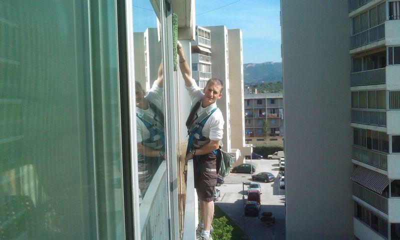 nettoyage des vitres en hauteur nacelle surface vitr e toutes hauteurs. Black Bedroom Furniture Sets. Home Design Ideas