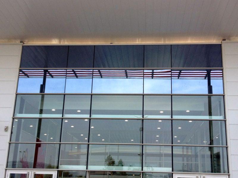 nettoyage vitres en hauteur et acrobatique surface vitr e toutes hauteurs. Black Bedroom Furniture Sets. Home Design Ideas
