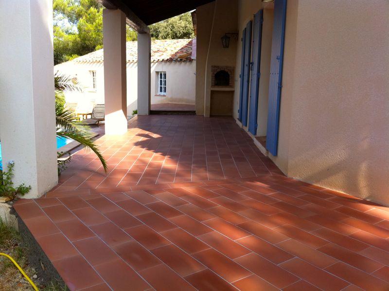 Traitement des terrasses extérieures en terre cuite dans le ...
