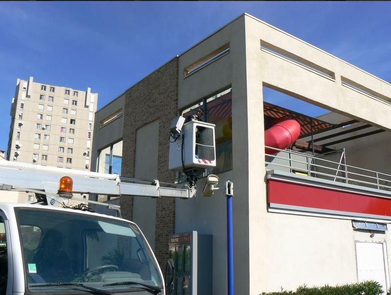 Nettoyage vitre KFC Toulon - C. Darmanin 83
